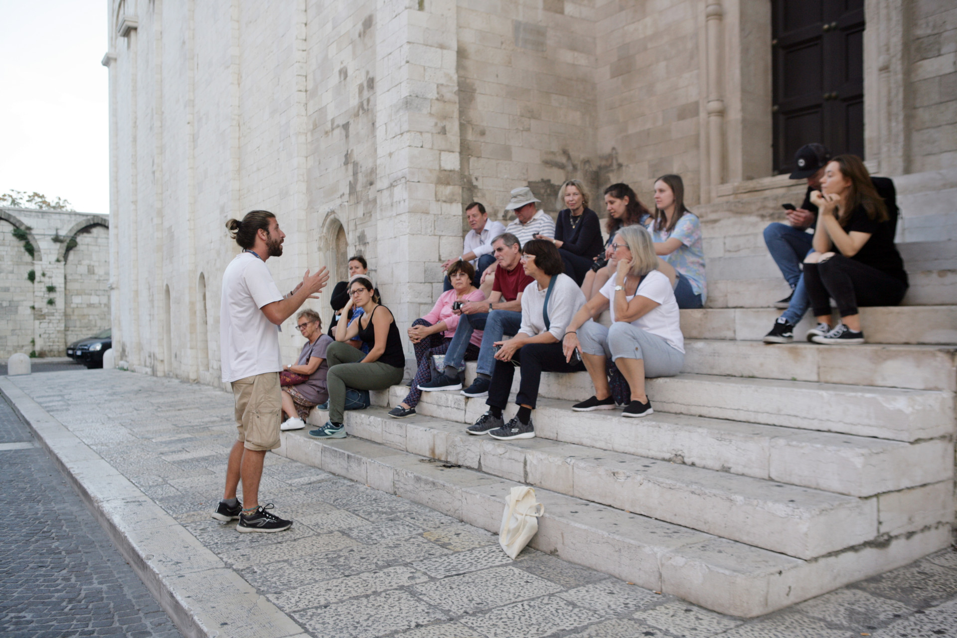 free walking tour bari group