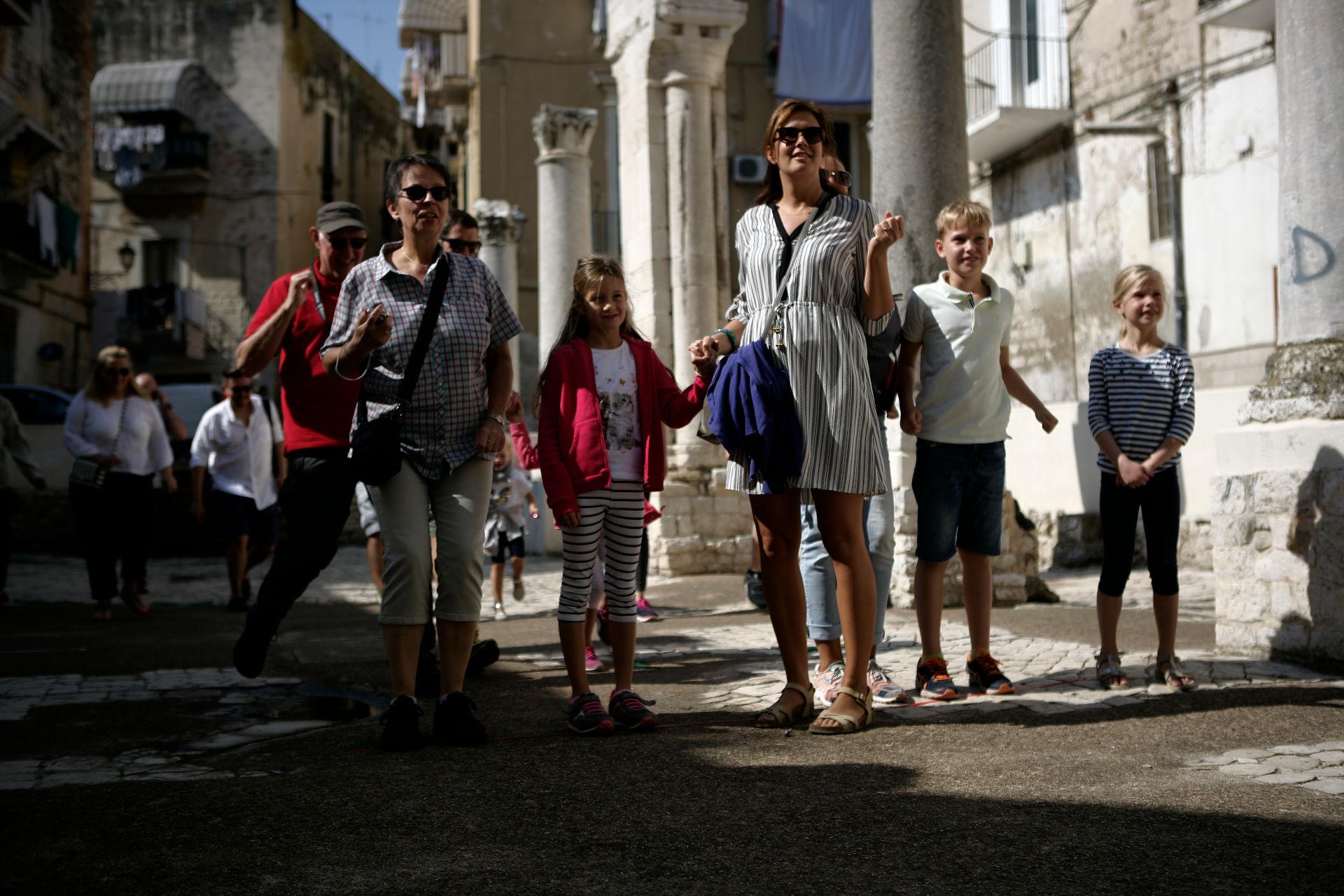 free walking tour bari family